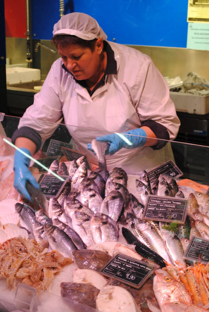 pescheria-servizio1